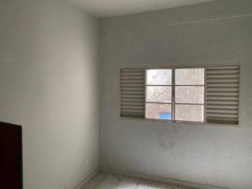 Casa com 1 Quarto e 1 banheiro para Alugar, 35 m² por R$ 650-Mês-5