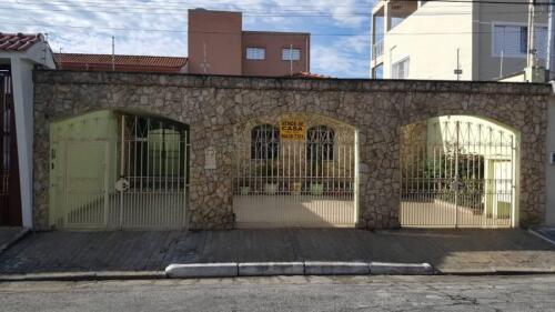 Casa com 3 Quartos e 3 banheiros à Venda, 200 m² por R$ 1.250.000-1