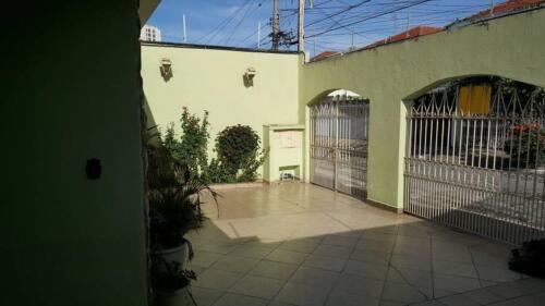 Casa com 3 Quartos e 3 banheiros à Venda, 200 m² por R$ 1.250.000-3
