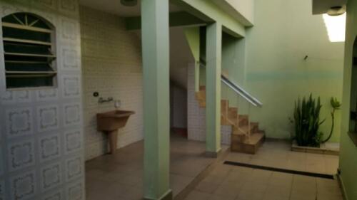 Casa com 3 Quartos e 3 banheiros à Venda, 200 m² por R$ 1.250.000-4