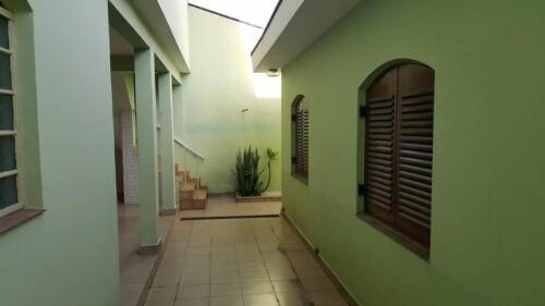Casa com 3 Quartos e 3 banheiros à Venda, 200 m² por R$ 1.250.000-7